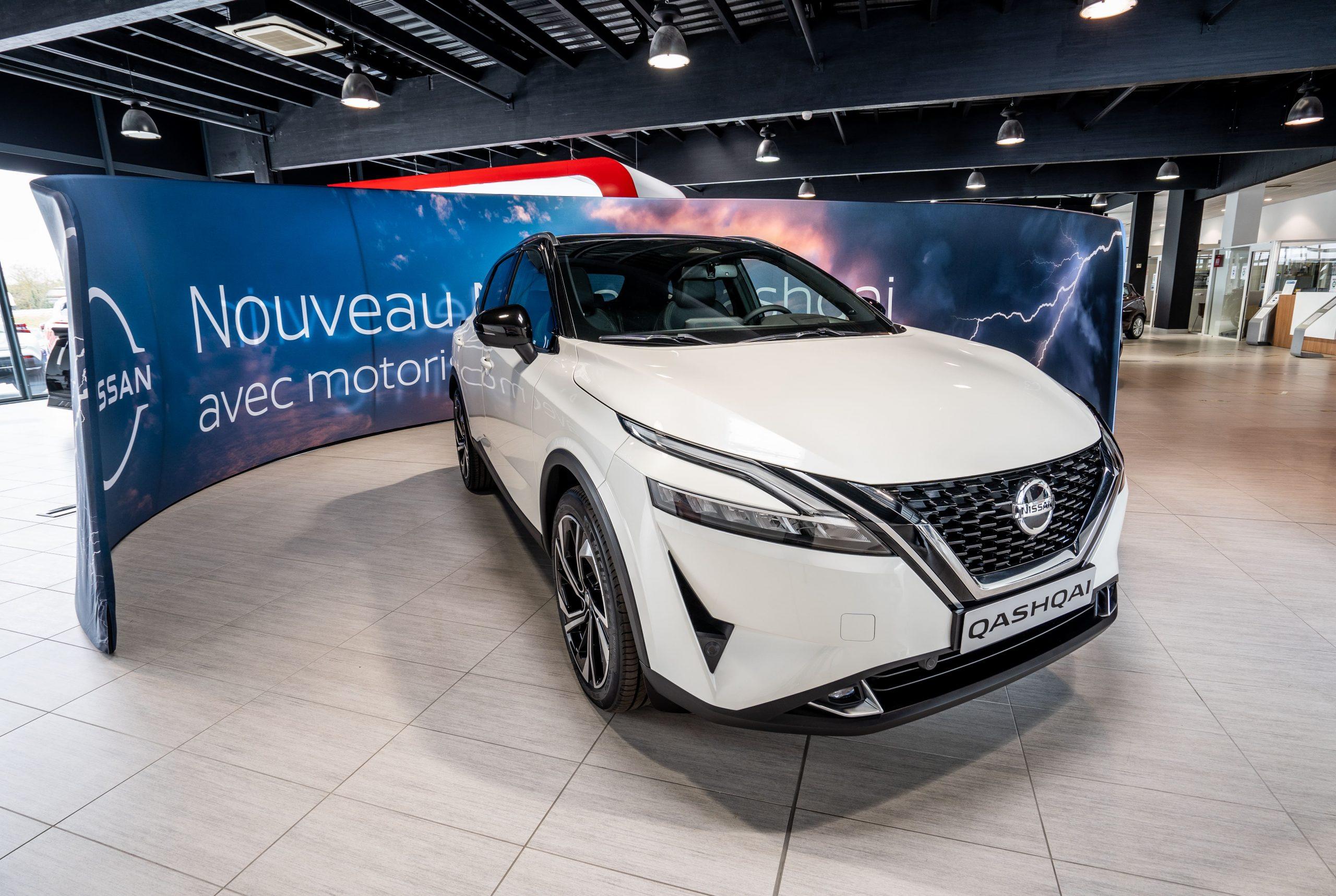 Photographe vidéaste Bordeaux : voiture Nissan